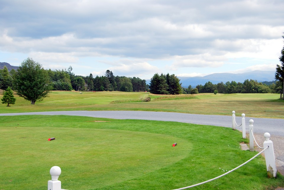 Newtonmore Golf Course - 50 metres from Thistle Dhu
